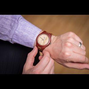 Best customized gift! Men's Wooden Watch